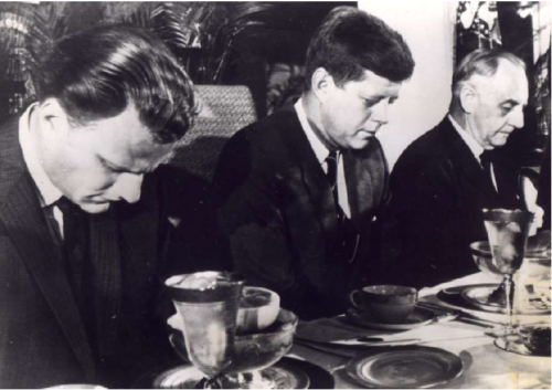 billy-graham-prays-with-president-kennedy
